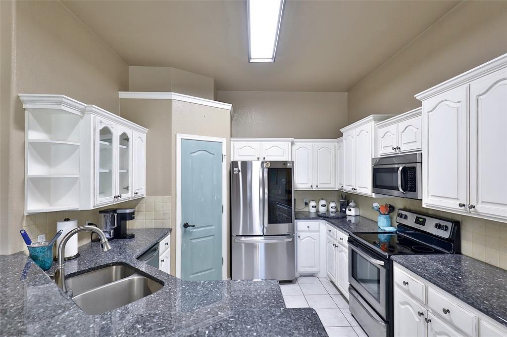 5118 Holly Way, Abilene, Texas 79606 - acquisto real estate best highland park realtor amy gasperini fast real estate service