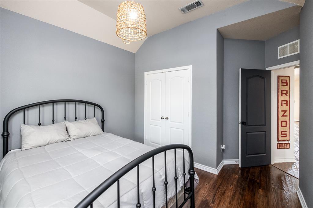 1482 Park Crest Drive, Crowley, Texas 76036 - acquisto real estate best photo company frisco 3d listings