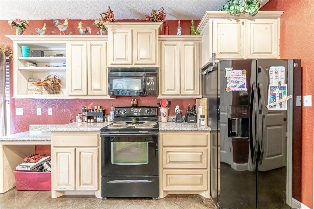1204 Pala Dura  Court, Granbury, Texas 76048 - acquisto real estate best negotiating realtor linda miller declutter realtor