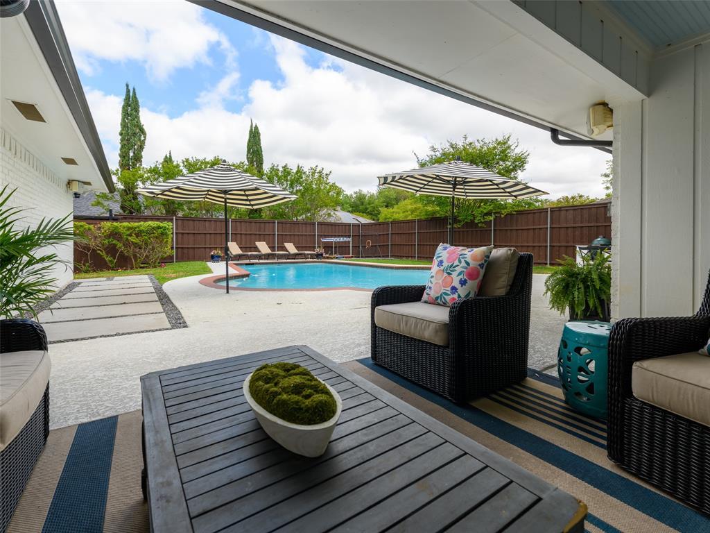 6807 Truxton  Drive, Dallas, Texas 75231 - acquisto real estate best realtor dallas texas linda miller agent for cultural buyers