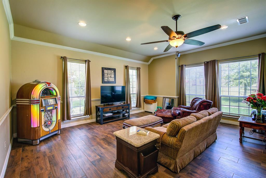 2202 White  Lane, Haslet, Texas 76052 - acquisto real estate best realtor foreclosure real estate mike shepeherd walnut grove realtor