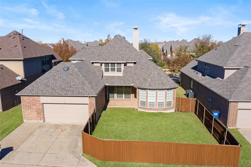935 Pine Burst  Drive, Allen, Texas 75013 - acquisto real estate best plano real estate agent mike shepherd