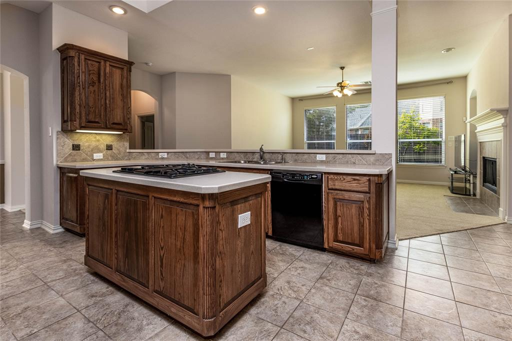 2620 Waterfront  Drive, Grand Prairie, Texas 75054 - acquisto real estate best photos for luxury listings amy gasperini quick sale real estate