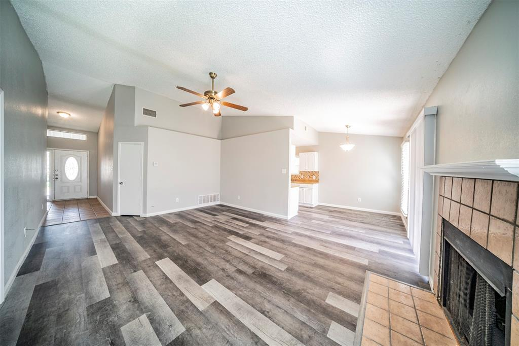 6230 Fernwood  Drive, Arlington, Texas 76001 - acquisto real estate best real estate company to work for