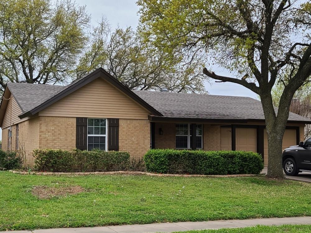 1423 Mimosa Street, Cleburne, Texas 76033 - Acquisto Real Estate best plano realtor mike Shepherd home owners association expert