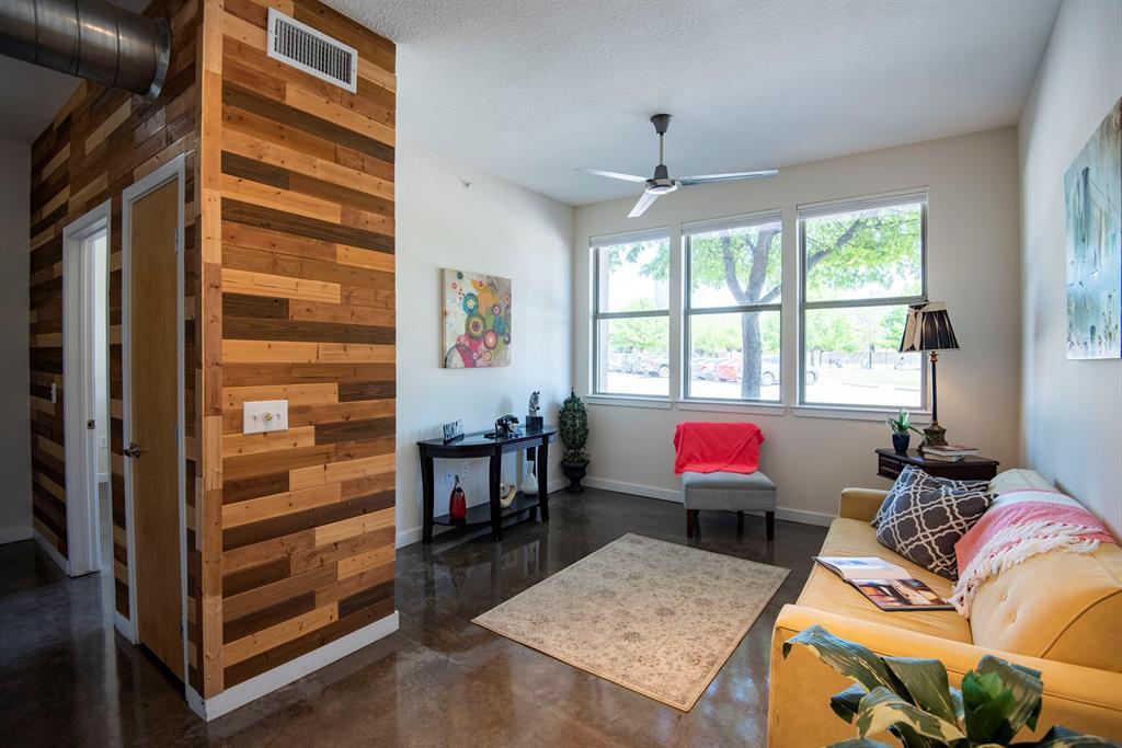201 Lancaster Avenue, Fort Worth, Texas 76102 - Acquisto Real Estate best frisco realtor Amy Gasperini 1031 exchange expert