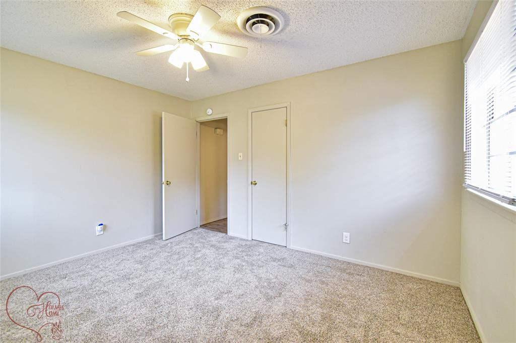 1726 Westwood  Drive, Abilene, Texas 79603 - acquisto real estate best park cities realtor kim miller best staging agent