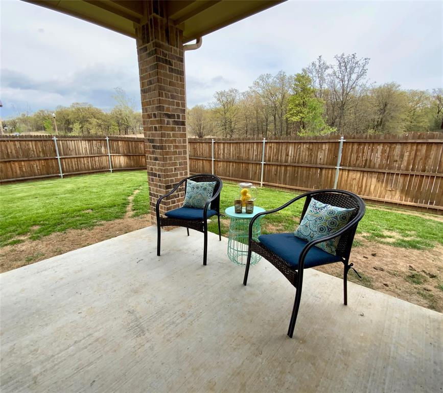 1812 Spinnaker Drive, Denton, Texas 76210 - acquisto real estate best negotiating realtor linda miller declutter realtor