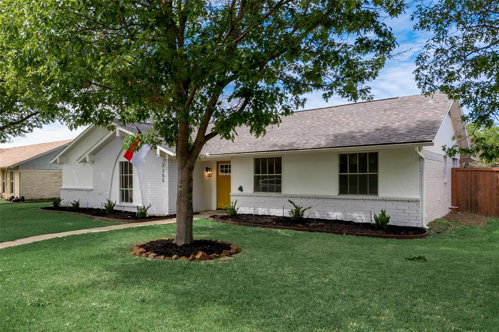 2205 Greenvalley  Drive, Carrollton, Texas 75007 - acquisto real estate best park cities realtor kim miller best staging agent
