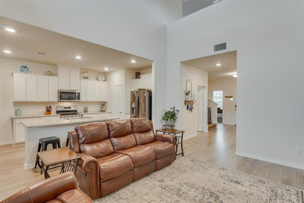 6313 Crownmere  Drive, Aubrey, Texas 76227 - acquisto real estate best luxury buyers agent in texas shana acquisto inheritance realtor