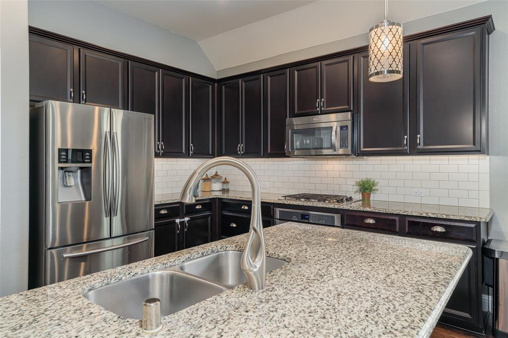 600 Sundrop  Drive, Little Elm, Texas 75068 - acquisto real estate best luxury buyers agent in texas shana acquisto inheritance realtor
