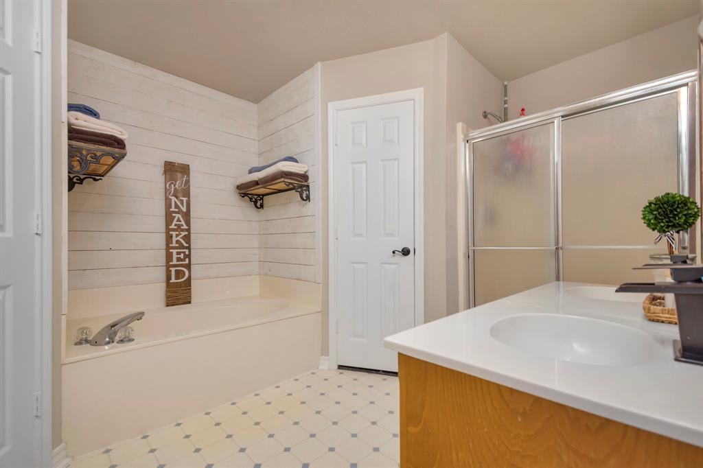 414 County Road 4659  Rhome, Texas 76078 - acquisto real estate best park cities realtor kim miller best staging agent