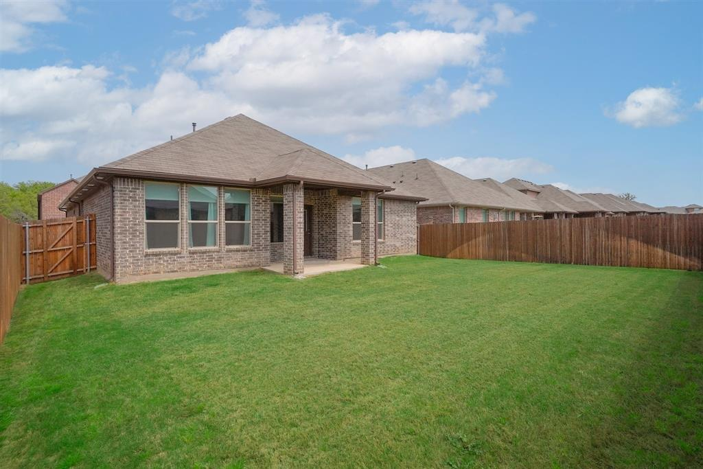 1713 Spinnaker Drive, Denton, Texas 76210 - acquisto real estate best frisco real estate agent amy gasperini panther creek realtor