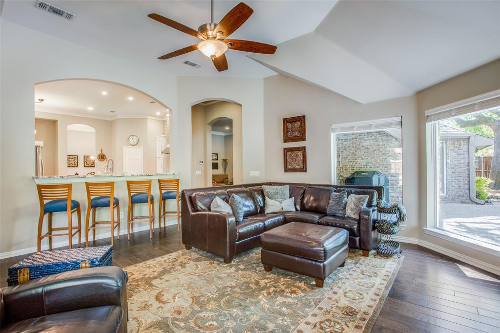 6107 Crimson  Drive, McKinney, Texas 75072 - acquisto real estate best photos for luxury listings amy gasperini quick sale real estate