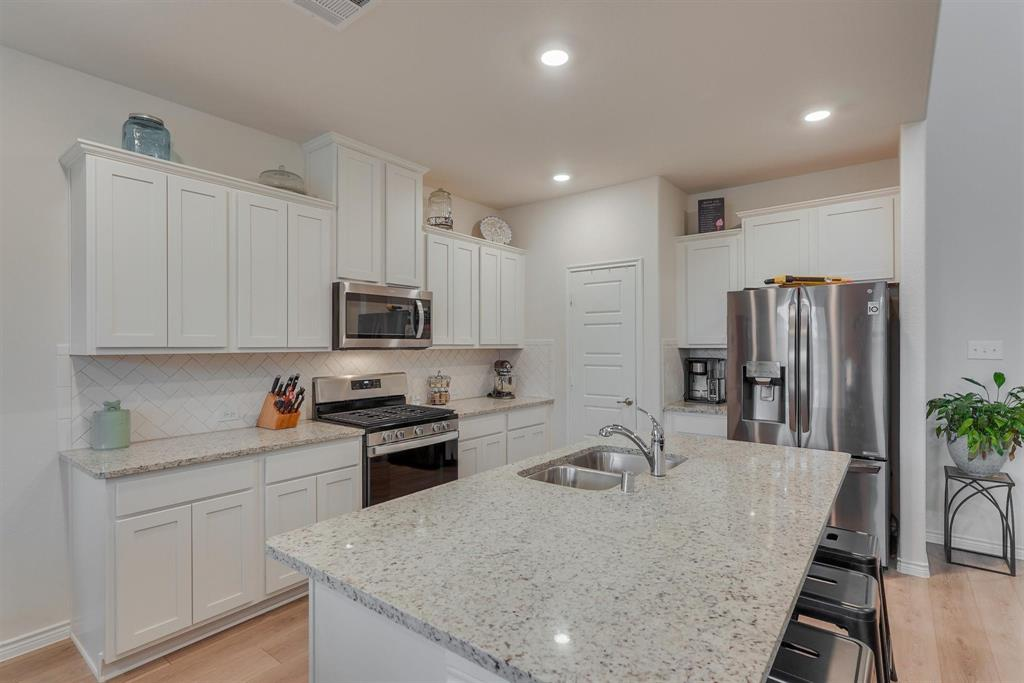 6313 Crownmere  Drive, Aubrey, Texas 76227 - acquisto real estate best designer and realtor hannah ewing kind realtor