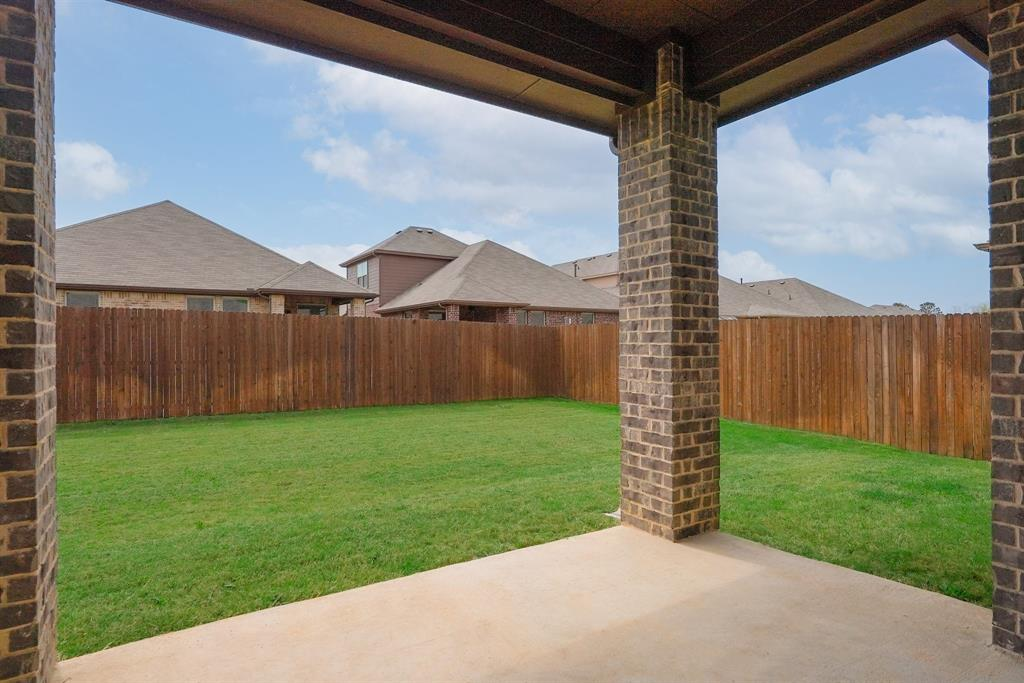1713 Spinnaker Drive, Denton, Texas 76210 - acquisto real estate best realtor foreclosure real estate mike shepeherd walnut grove realtor