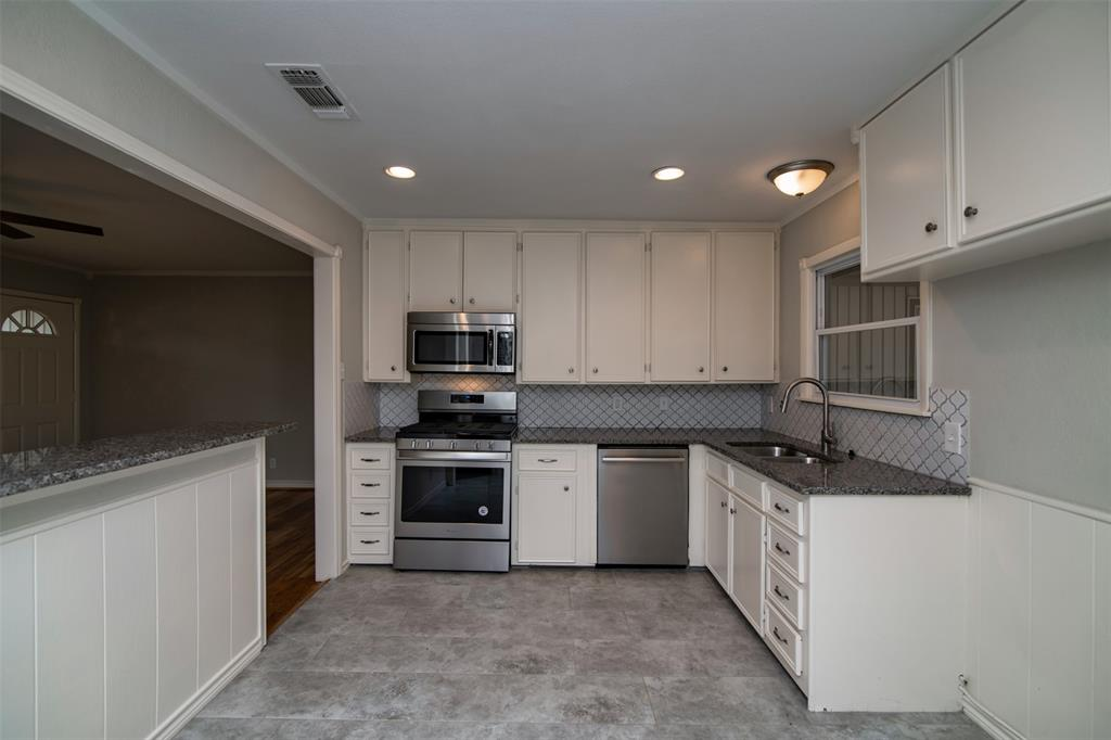 500 Ellen  Avenue, Hurst, Texas 76053 - acquisto real estate best real estate company in frisco texas real estate showings