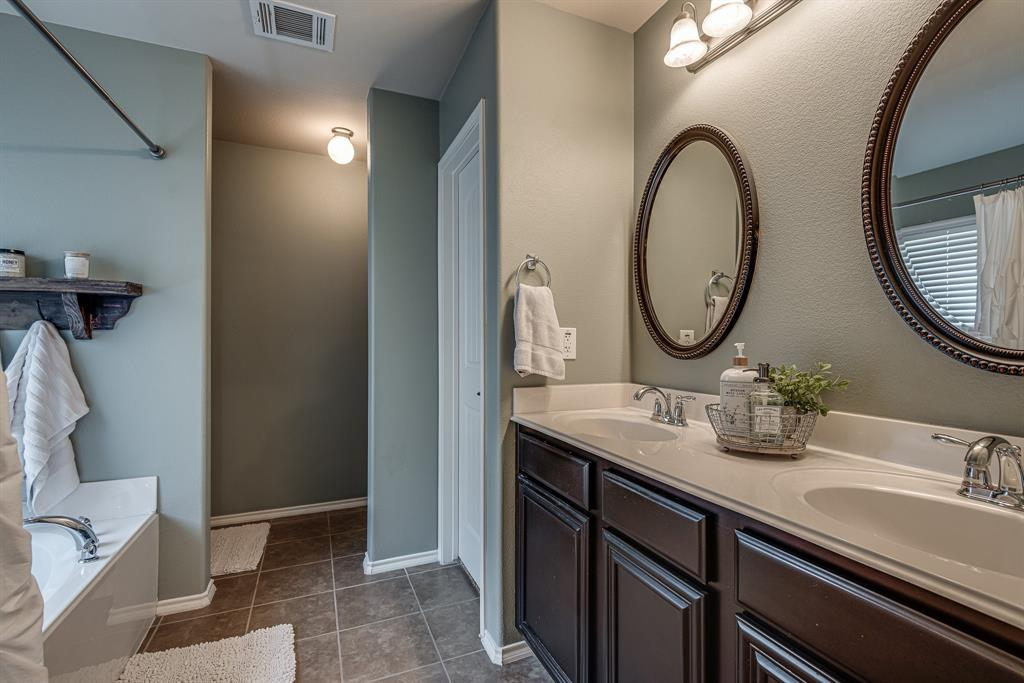 127 Sumac  Drive, Waxahachie, Texas 75165 - acquisto real estate best frisco real estate broker in texas for high net worth buyers