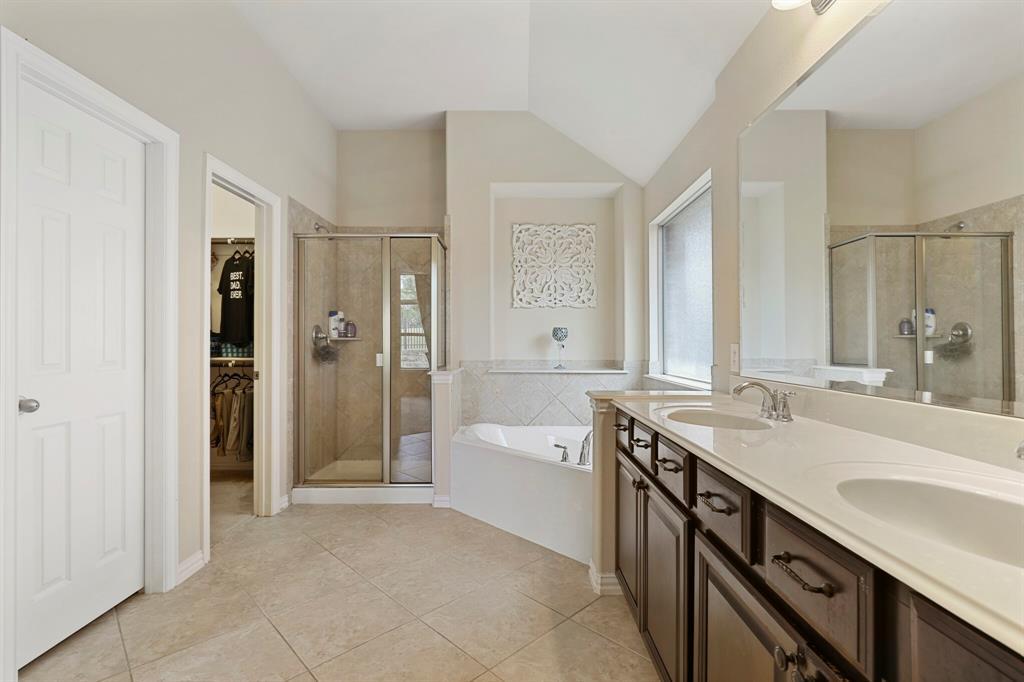 2928 Golfview  Drive, McKinney, Texas 75069 - acquisto real estate best negotiating realtor linda miller declutter realtor