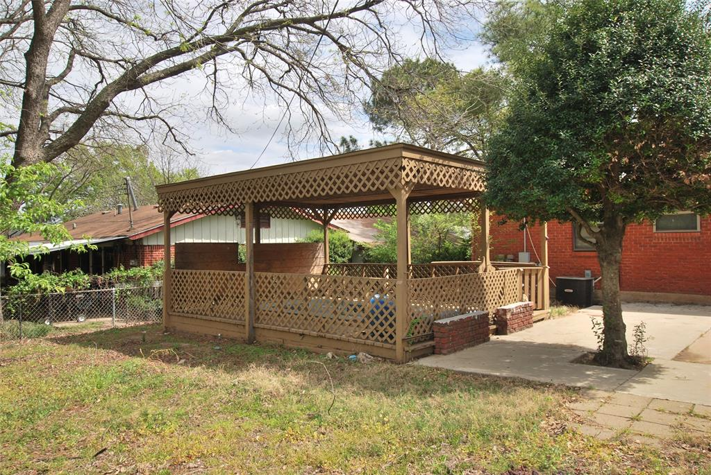 6009 Maceo Lane, Fort Worth, Texas 76112 - acquisto real estate best frisco real estate broker in texas for high net worth buyers