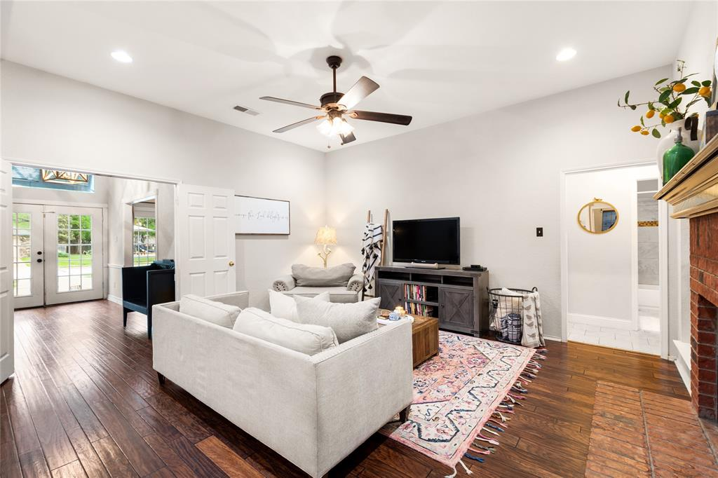 2709 Whitby  Lane, Grapevine, Texas 76051 - acquisto real estate best real estate company to work for
