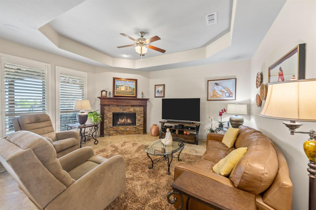 200 Oakmont Drive, Northlake, Texas 76226 - acquisto real estate best the colony realtor linda miller the bridges real estate