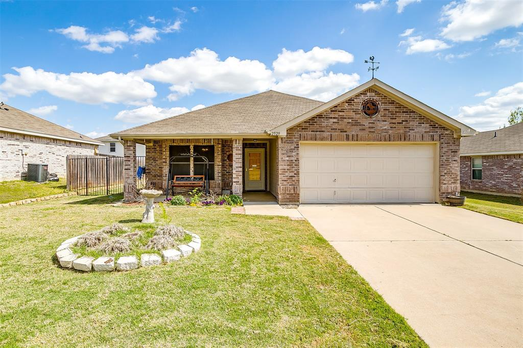 2529 Castle Pines Drive, Burleson, Texas 76028 - Acquisto Real Estate best plano realtor mike Shepherd home owners association expert