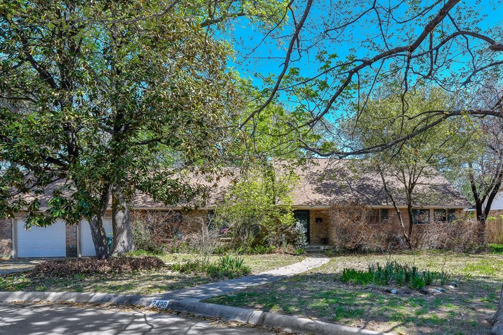 2428 Oakridge Street, Denton, Texas 76209 - acquisto real estate best realtor foreclosure real estate mike shepeherd walnut grove realtor
