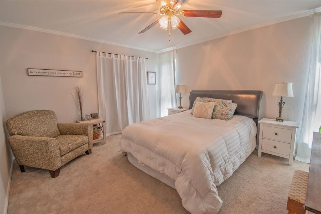 104 Oak Lane, Burleson, Texas 76028 - acquisto real estate best investor home specialist mike shepherd relocation expert