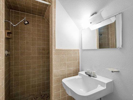 2301 Berkley  Street, Brownwood, Texas 76801 - acquisto real estate best designer and realtor hannah ewing kind realtor