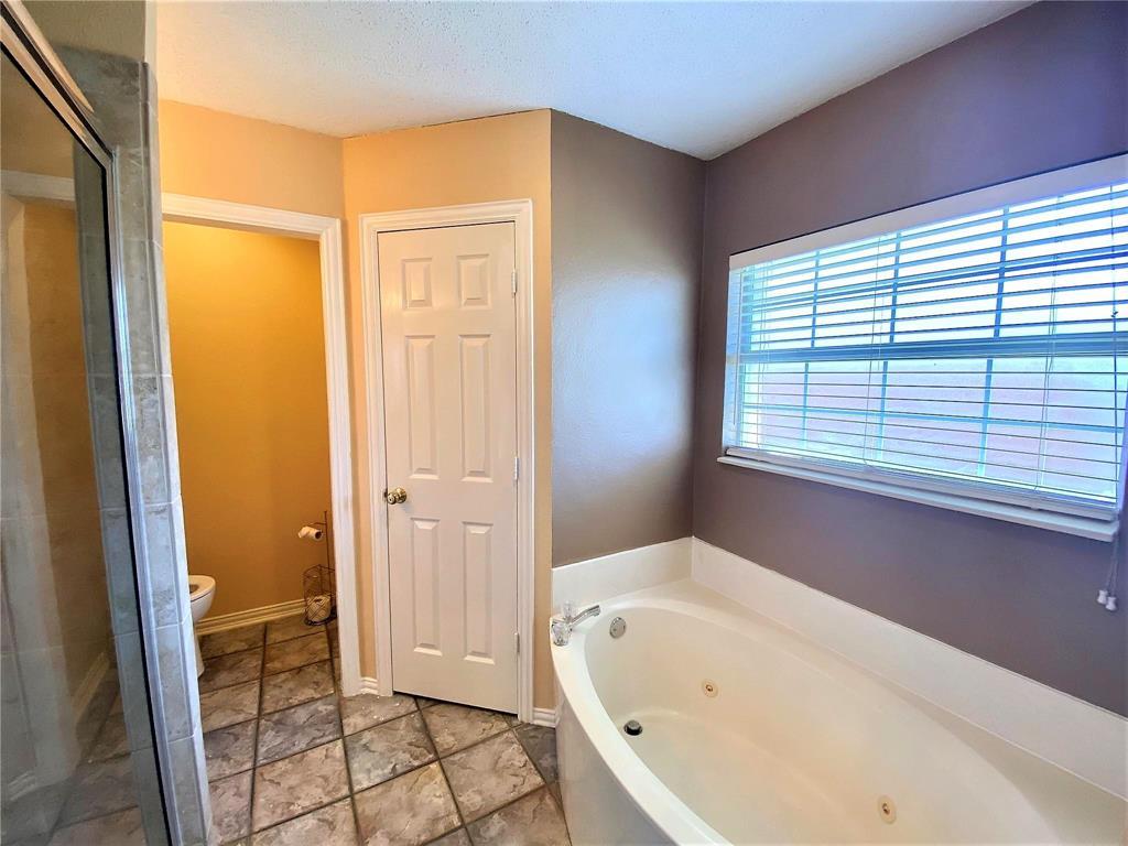 3351 Ashley Circle, Denton, Texas 76207 - acquisto real estate best new home sales realtor linda miller executor real estate
