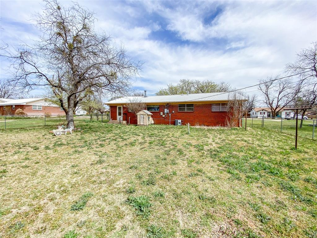 1203 Avenue L  Haskell, Texas 79521 - acquisto real estate best photos for luxury listings amy gasperini quick sale real estate