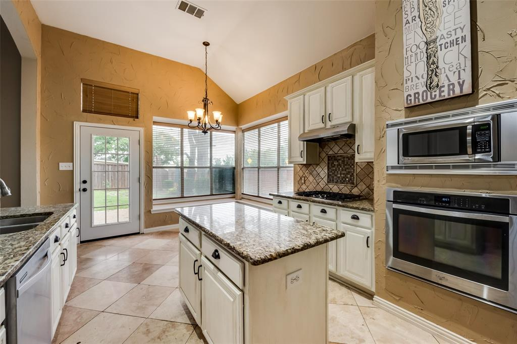 2301 Chapelwood  Drive, Lewisville, Texas 75077 - acquisto real estate best real estate company in frisco texas real estate showings