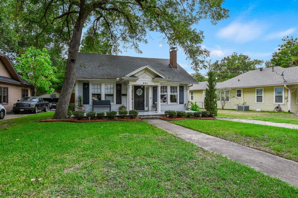 201 Pecan  Street, Terrell, Texas 75160 - Acquisto Real Estate best mckinney realtor hannah ewing stonebridge ranch expert