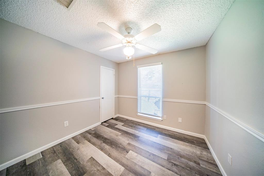 6230 Fernwood  Drive, Arlington, Texas 76001 - acquisto real estate best investor home specialist mike shepherd relocation expert
