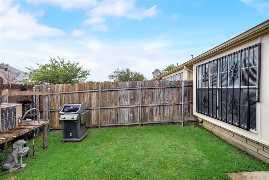 10 Townhouse  Lane, Grand Prairie, Texas 75052 - acquisto real estate best photos for luxury listings amy gasperini quick sale real estate