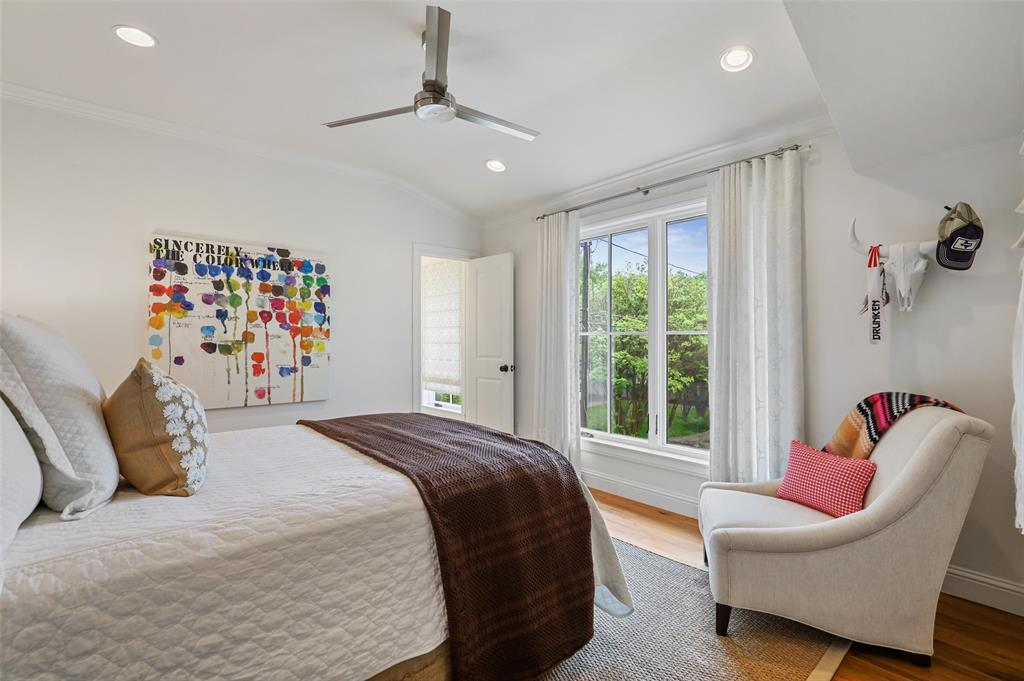 560 Northlake  Drive, Dallas, Texas 75218 - acquisto real estate best park cities realtor kim miller best staging agent