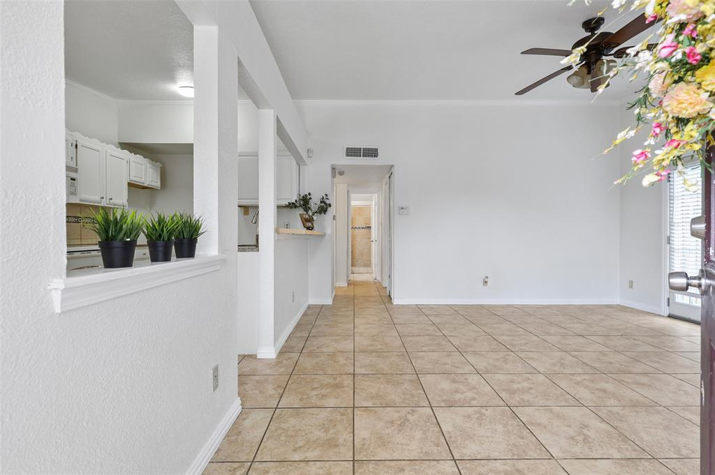 9420 Kerrville  Street, Dallas, Texas 75227 - acquisto real estate best real estate company to work for