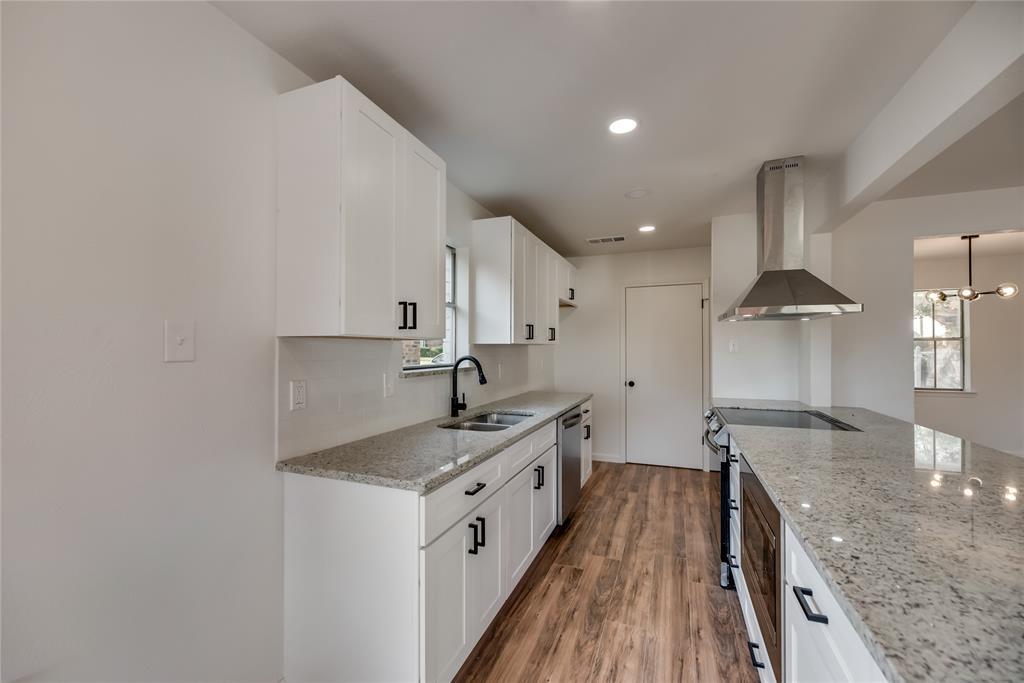 2205 Greenvalley  Drive, Carrollton, Texas 75007 - acquisto real estate best celina realtor logan lawrence best dressed realtor