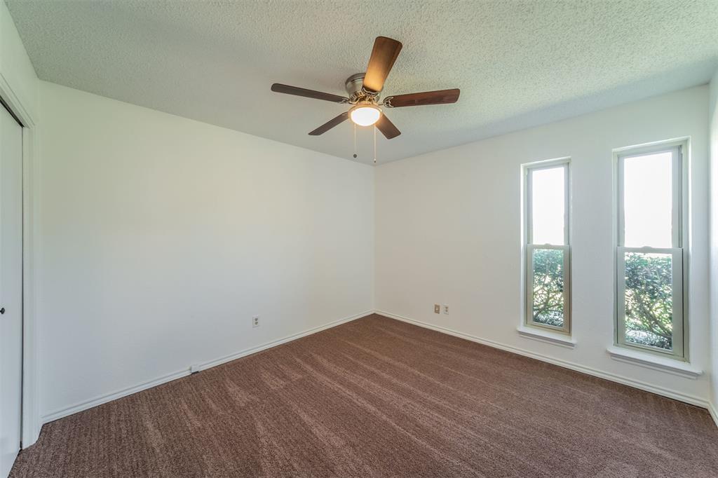 104 Mountain Valley Boulevard, Joshua, Texas 76058 - acquisto real estate best style realtor kim miller best real estate reviews dfw