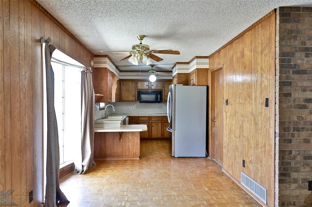 2909 21st  Street, Abilene, Texas 79605 - acquisto real estate best frisco real estate agent amy gasperini panther creek realtor