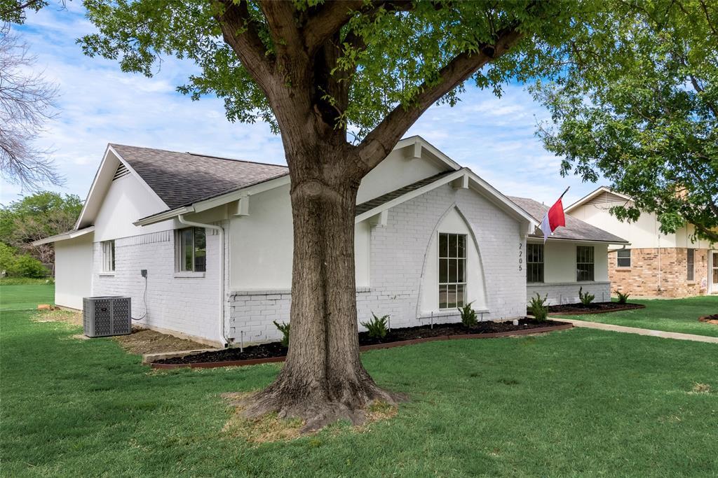 2205 Greenvalley  Drive, Carrollton, Texas 75007 - acquisto real estate best listing photos hannah ewing mckinney real estate expert