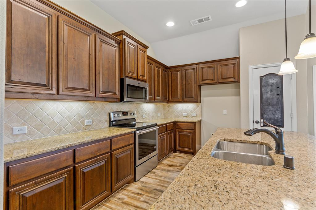 1999 Mercer  Lane, Princeton, Texas 75407 - acquisto real estate best real estate company to work for