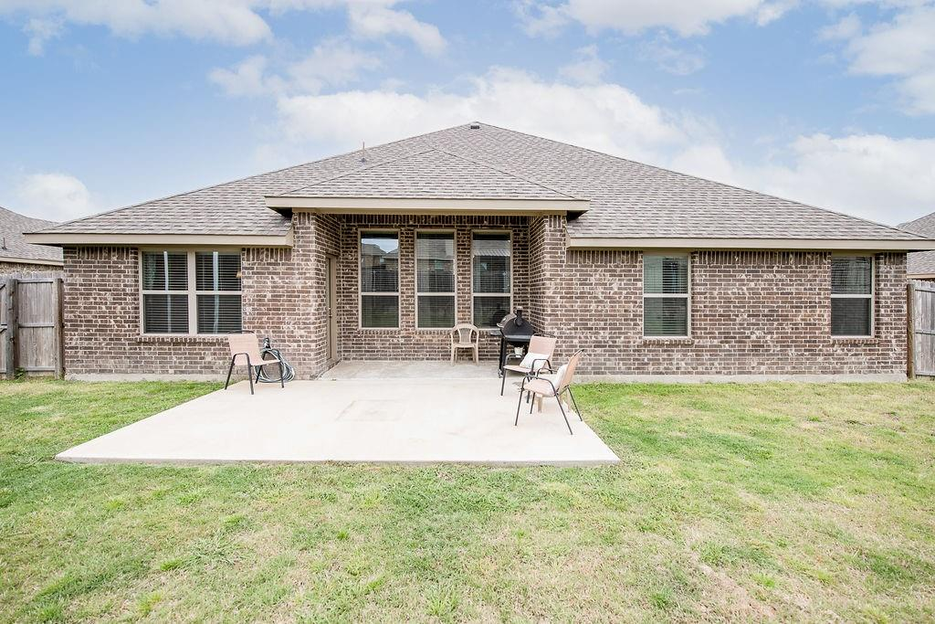 124 Haymeadow  Drive, Crandall, Texas 75114 - acquisto real estate agent of the year mike shepherd