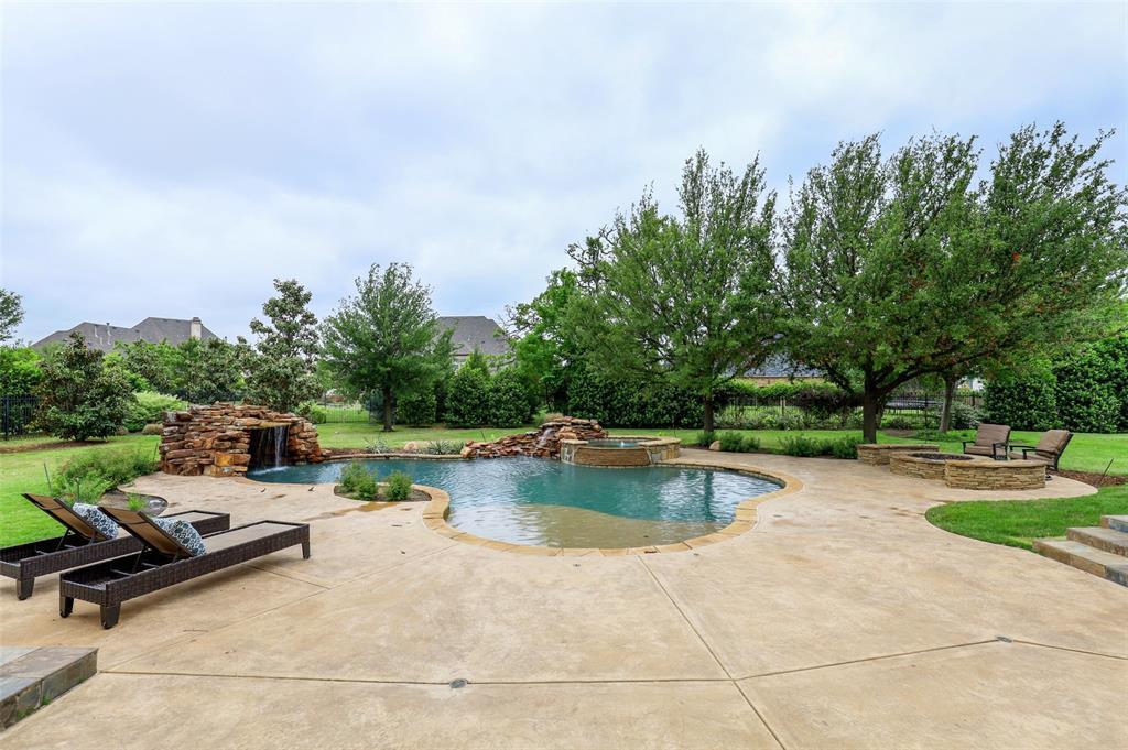 1710 Bur Oak  Drive, Southlake, Texas 76092 - acquisto real estate best looking realtor in america shana acquisto