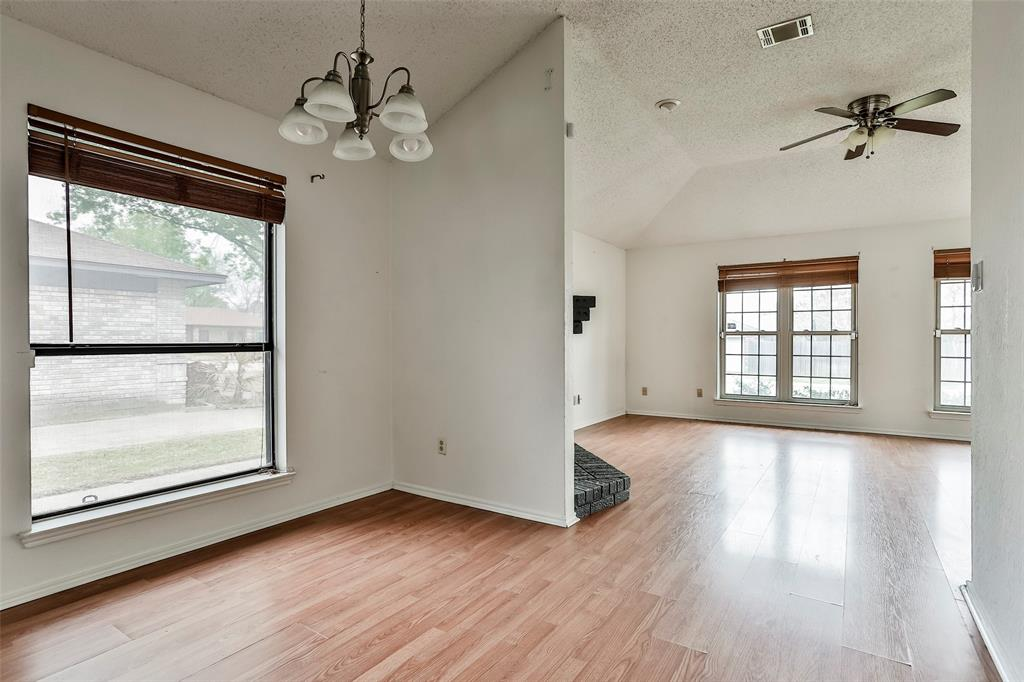 1041 Stableway Lane, Bedford, Texas 76022 - acquisto real estate best real estate company in frisco texas real estate showings