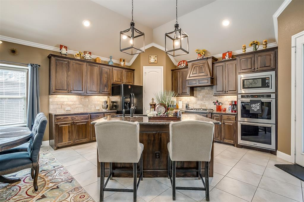 944 Merion Drive, Fort Worth, Texas 76028 - acquisto real estate best realtor westlake susan cancemi kind realtor of the year