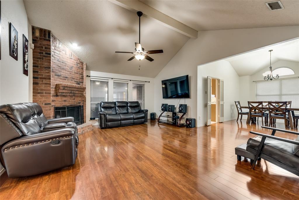 820 Miles  Lane, Cedar Hill, Texas 75104 - acquisto real estate best the colony realtor linda miller the bridges real estate