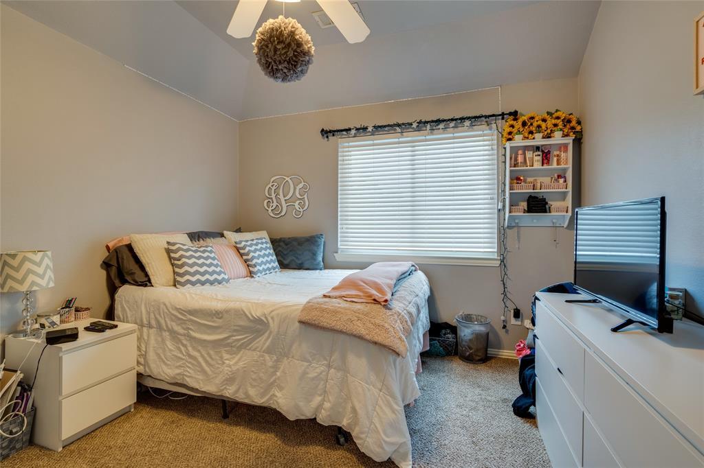 2000 Ledgestone  Drive, Corinth, Texas 76210 - acquisto real estate best negotiating realtor linda miller declutter realtor