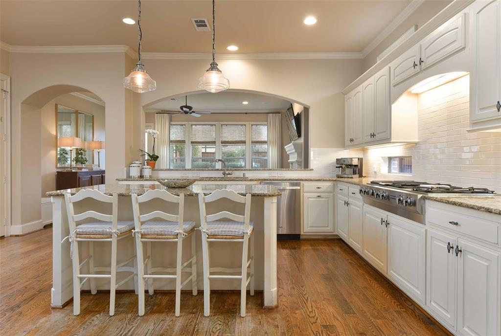 5226 Ridgedale  Avenue, Dallas, Texas 75206 - acquisto real estate best real estate company to work for